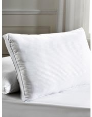 Julian Charles 5 star luxury pillows pair