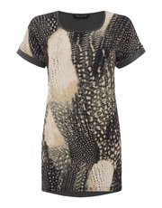 VIZ-A-VIZ feather print hybrid tunic top
