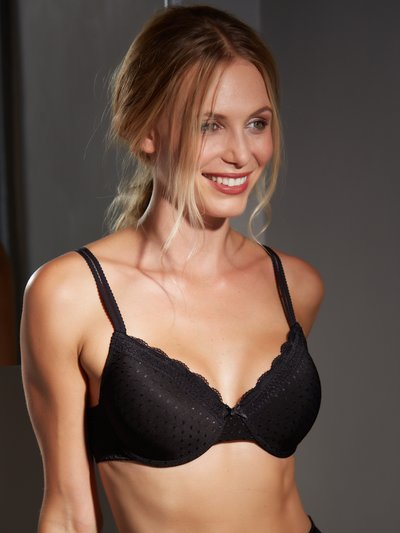 Underwired padded squares bra