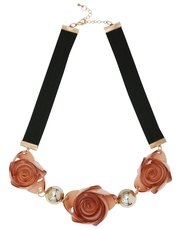 Rose ribbon short necklace