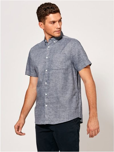 Chambray textured short sleeve shirt