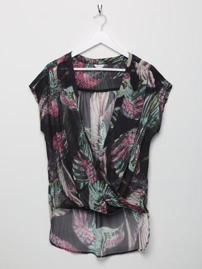 Sonder Studio hummingbird cross front top