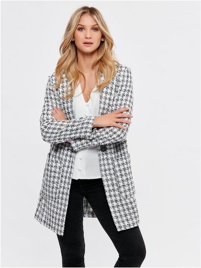 Dogtooth textured coat