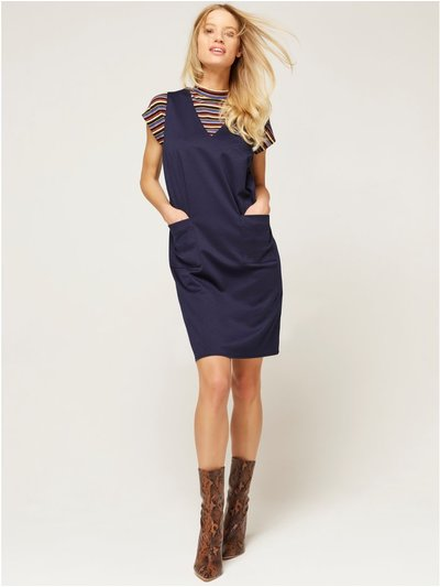 Sleeveless pinafore dress