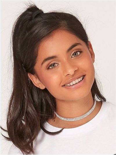 Teen diamante choker