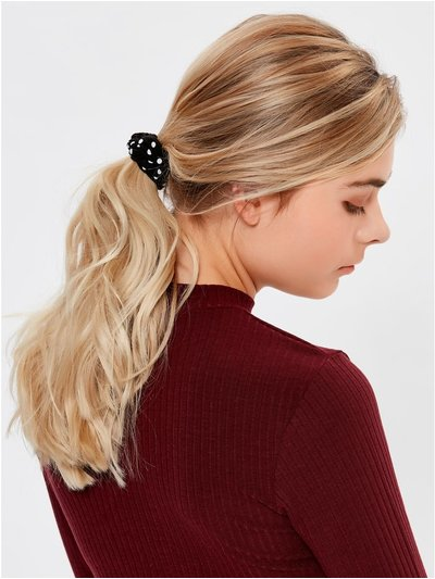 Teen polka dot scrunchie